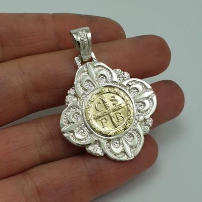 Medalla San Benito grande...